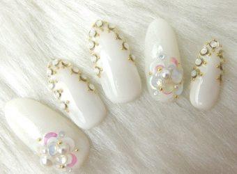 エアリーフラバスター 透明感ある白いお花がかわいい